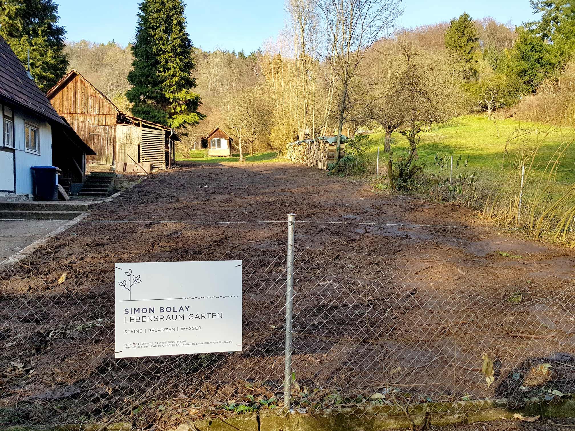 bolay-gartenbau_projekte_simi-haeusle_einfahrt